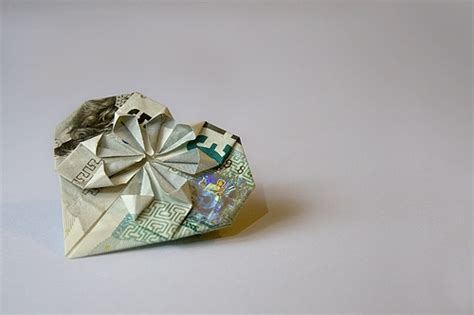 5 Pound Note Origami - c 225 ch xếp tờ tiền th 224 nh h 236 nh tr 225 i tim theo phong c 225 ch
