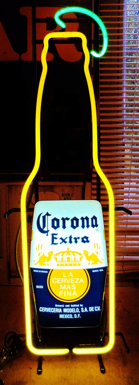 neon light beer signs 1000 images about breweriana vintage neon bar signs on