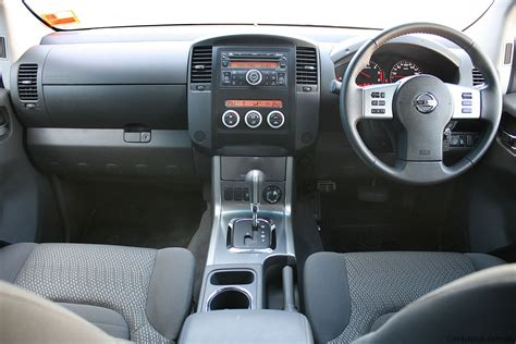 Nissan Navara Interior Image 223