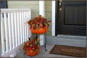 10 fun fall porch decorations