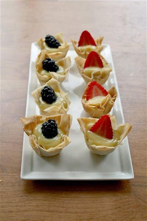 Sprei Sweet Berry Uk 140x200x20 filo pastry filo and fresh fruit on