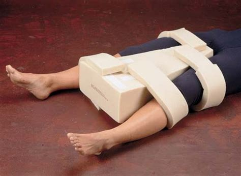 hip abduction pillow after hip surgery akumahubelajar abduction pillow