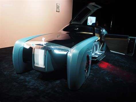 rolls royce vision rolls royce brings its highly futuristic concept car to