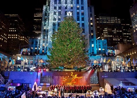 christmas in new york 2018 rockefeller center christmas tree