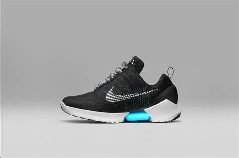 Sepatu Nike Yang Bisa Nyala article by ira dzakira casaindonesia