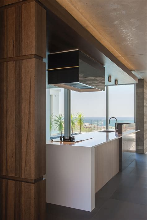 contemporary kitchen  sydney blends cutting edge style