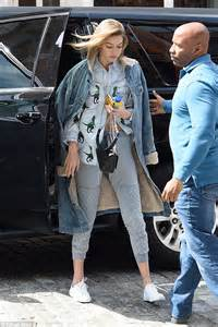 7 Denim Related Fashion Faux Pas by Gigi Hadid Bares Toned Tum As She Heads Home To