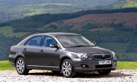 toyota avensis toyota avensis hatchback review 2003 2008 parkers