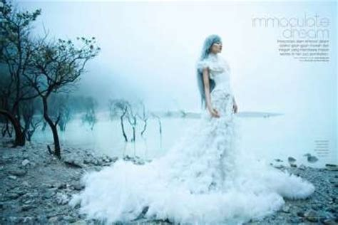 Bright Wedding Gown Bandung by 50 Winter Themed Fashion Editorials