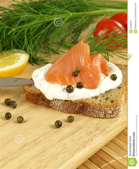 Tuna And Cottage Cheese by Bread Tuna And Cottage Cheese Royalty Free Stock Photos