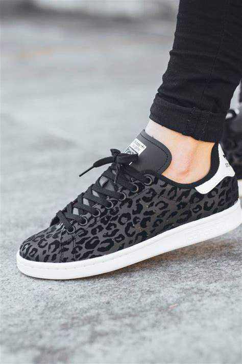 best 25 leopard sneakers ideas on sneakers de leopardo camel s oxford shirts