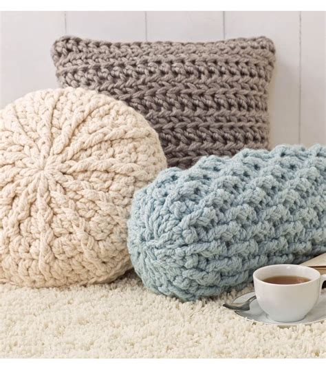 crochet crafts 25 unique crochet pillow pattern ideas on diy
