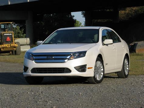 2010 ford fusion mpg all new 2013 ford fusion hybrid to get 47 48 city mpg report