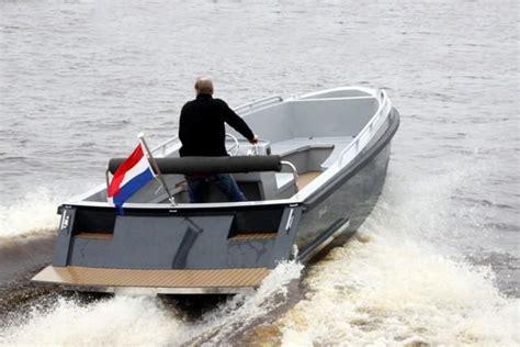 aluminium boot met inboard motor bullit 660 inboard merken bullit klop watersport