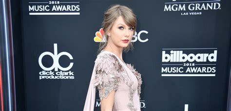 taylor swift delicate number one taylor swift finally sells her beverly hills home