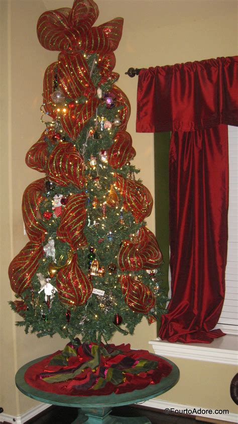 adding deco mesh last minute to xmas tree tree decorating with wide mesh ribbon www indiepedia org