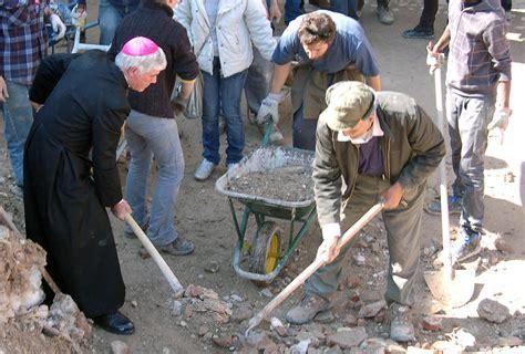 bombardamento a tappeto sisma vescovo ascoli quot pescara tronto distrutta un