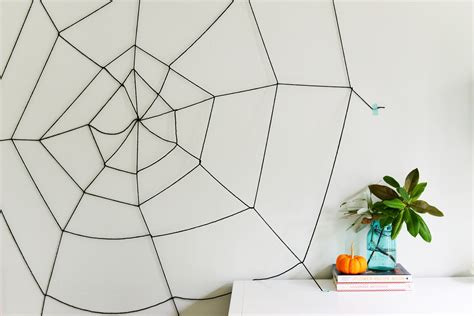 easy diy yarn spider web