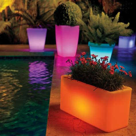 Solar Planters by 27 Outdoor Solar Lighting Ideas To Inspire