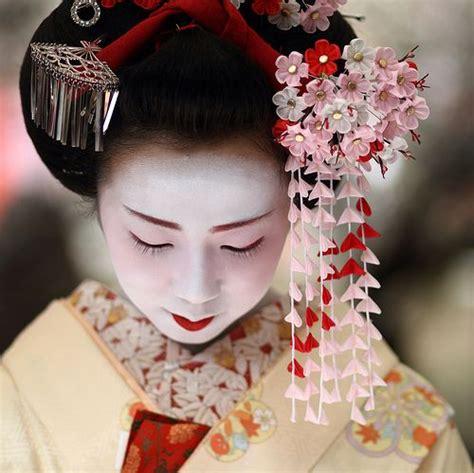 imagenes red japonesa 381 mejores im 225 genes sobre geishas maikos kimonos en