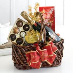 Best Christmas Gift Baskets Best Honeymoon Gifts To Surprise Your Beloved