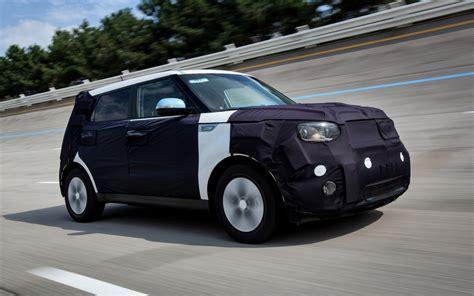 Kia Range Of Vehicles New Models Kia Soul Ev A Range Of 200 Kilometres 2015
