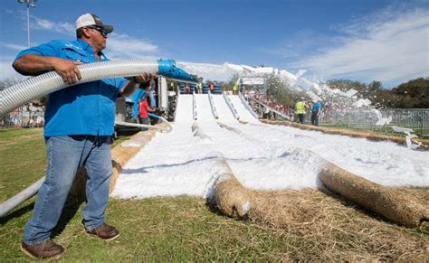 mireles ice house universal city s snowfest warms the crowd san antonio express news