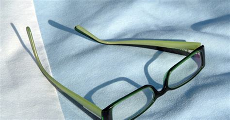how to adjust plastic eyeglass frames ehow uk