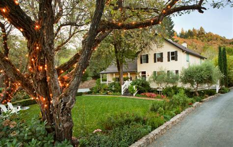 sb digs farmhouse in sonoma wine country