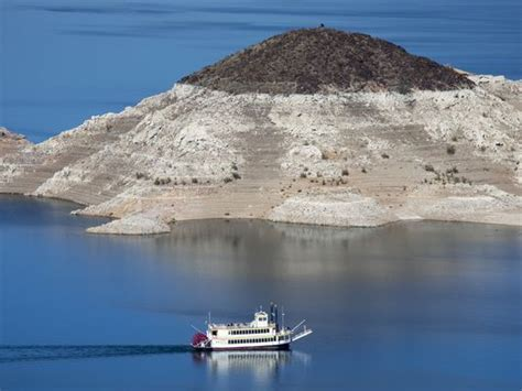 Lake Mead Bathtub Ring Lake Mead Sinks To Record Low Risking Water Shortage