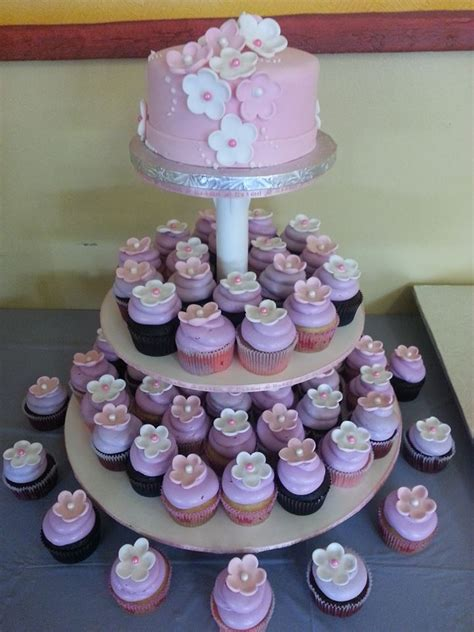 cupcake decorating ideas for baby shower living room decorating ideas baby shower cupcakes