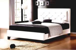 Bed For Bedroom Design Bed Designs Pictures Laptoptablets Us