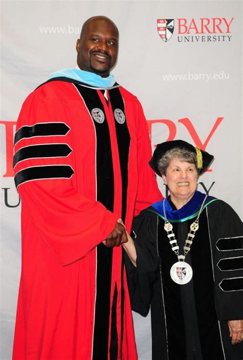 Shaq Mba by Shaquille O Neal Gets His Doctoral Degree From Barry