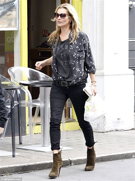 down blouses for 2013 video star travel international down blouses for kate moss shows off her style once again as she steps out