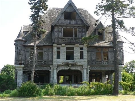abandoned places in new york abandoned villas and capes on pinterest