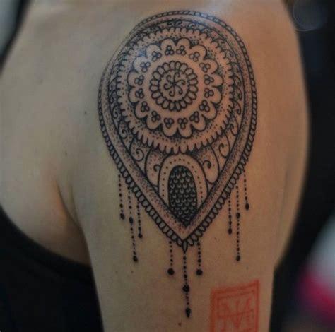 Tattoo Mandala Personalizada | tatuagem feminina mandala personalizada estilo tattoo