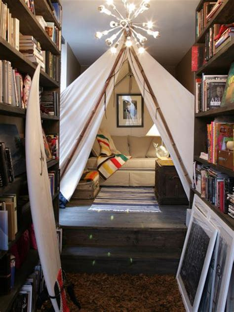 how to make a tent in your living room 33 cool play rooms with play tents digsdigs