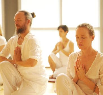 imagenes yoga kundalini ropa yoga kundalini