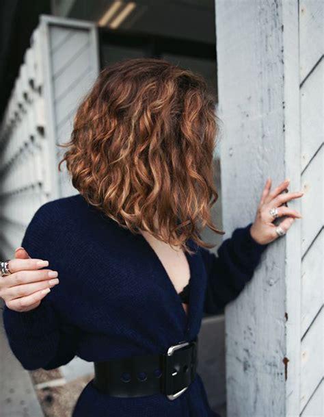 Coupe Sur Cheveux by Coiffure Carre Plongeant Sur Cheveux Boucles