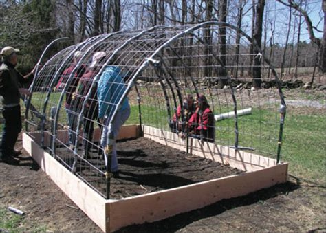 Build a Greenhouse the Easy Way ? 101 Ways to Survive