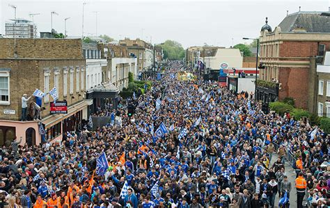 Chelsea Parade | chelsea s chions league victory parade in pictures