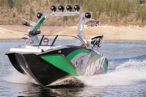 pavati boats diesel video ls powered pavati wake boats are the wave of the