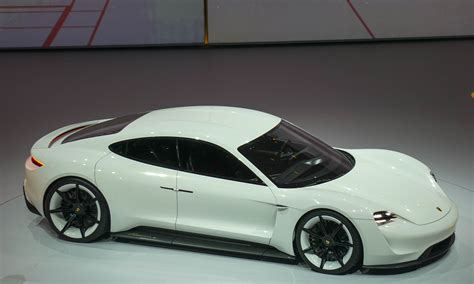 porsche mission e red porsche unveils all electric concept in frankfurt 187 autonxt