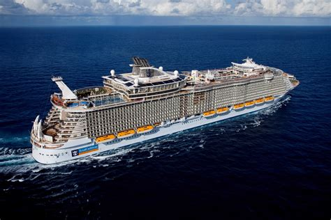the world s largest cruise ship allure of the seas allure of the seas reviews royal caribbean international