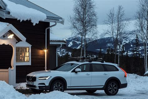 volvo cars  tablet hotels open secluded   lodge   swedish mountains volvo car