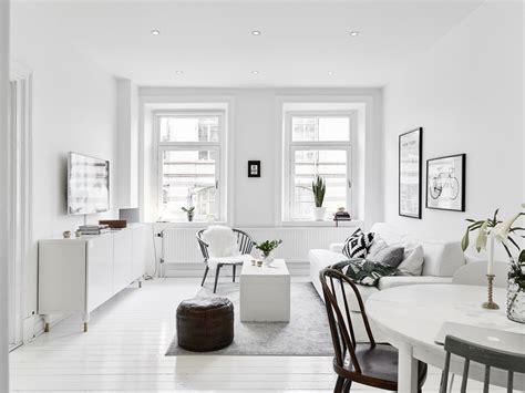 witte woonkamer stoelen kleine witte woonkamer met witte meubels inrichting huis