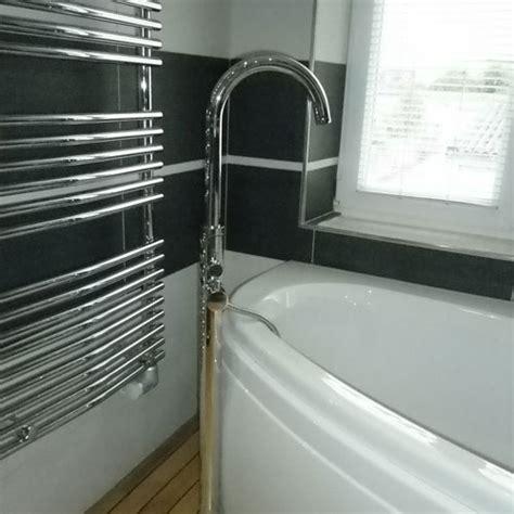 Pose D Une Baignoire 4818 pose d une baignoire comment poser du carrelage autour
