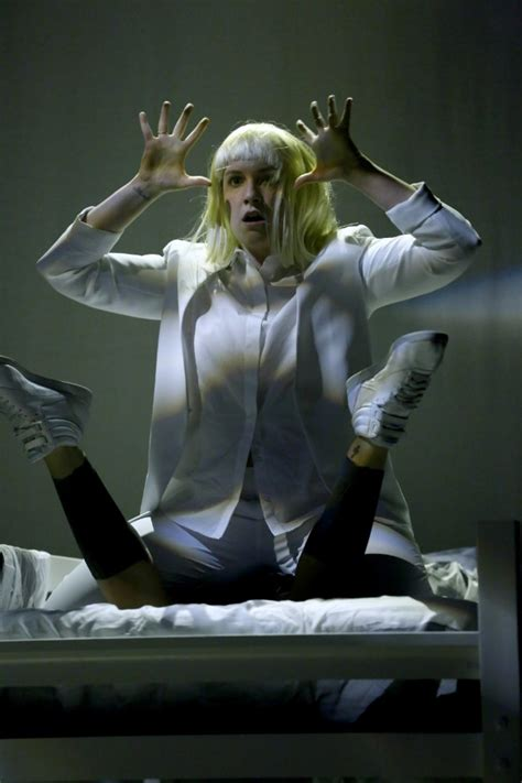 Dancer In Chandelier Lena Dunham S Interpretive To Sia S Chandelier On Seth Meyers Stereogum