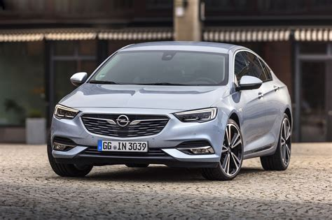 opel insignia 2017 white facelifted opel zafira would look good with opc body kit