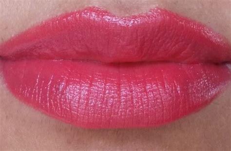 Lipstik Revlon Renewist revlon lustrous lipstick cha cha cherry review